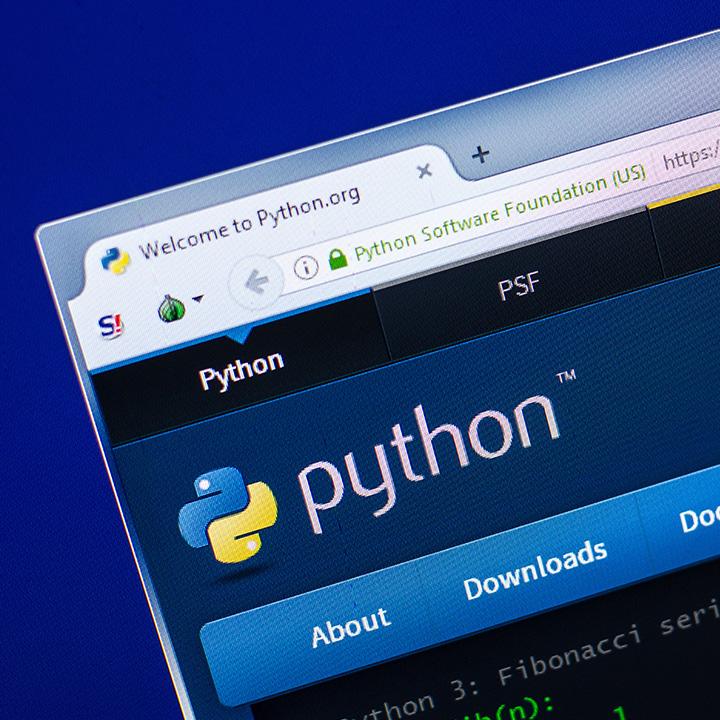 Pythonとは